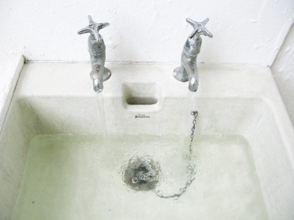 """""""Fall"""" 2010 (site-specific intervention: sink filled with water)"""